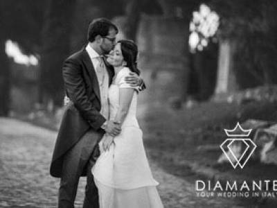 MARRIAGE IMMERSED IN THE PARK OF THE ANCIENT APPEAL IN ROME VILLA DINO