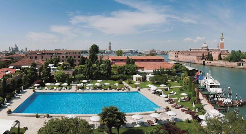 Diamante_Dubai_wedding_Italy_pool