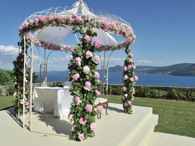 Symbolic weddings in Italy