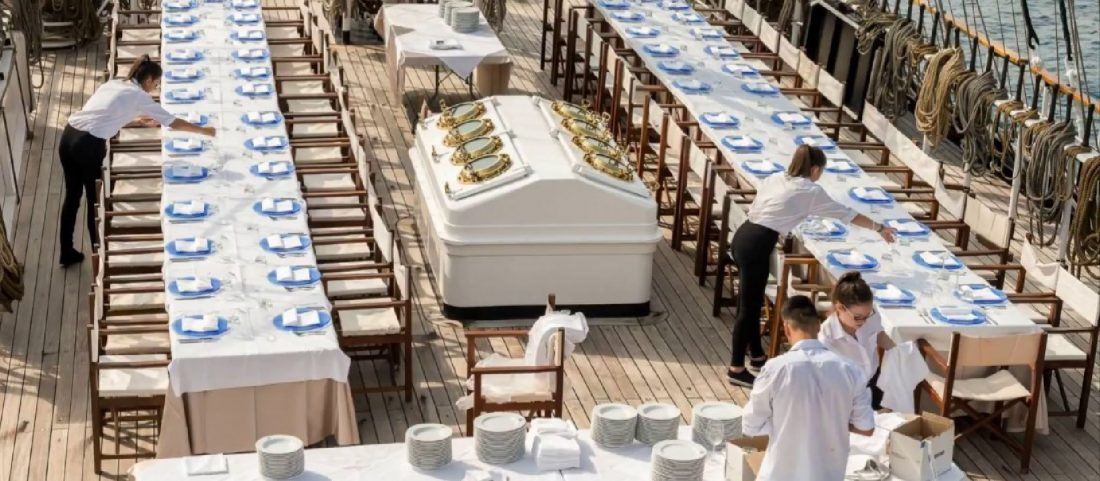 YOUR WEDDING IN AN AUTHENTIC LOVE BOAT – THE WEDDING PLANNER TIPS